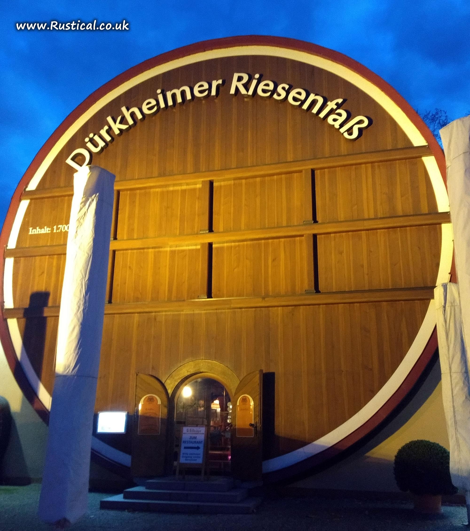 Evening meal at the Durkheimer Riesenfass (Barrel House)