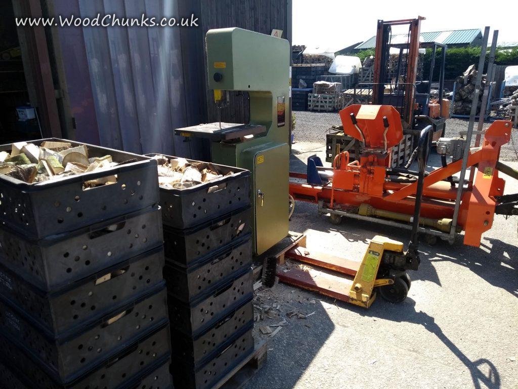 Processing Oak Wood Chunks